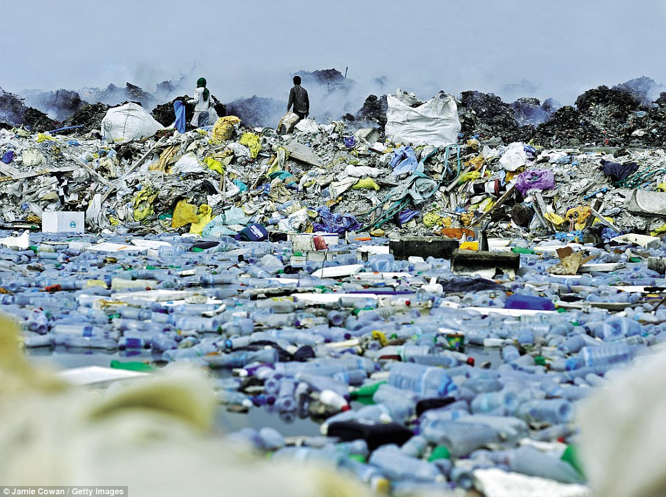 maldives_trash